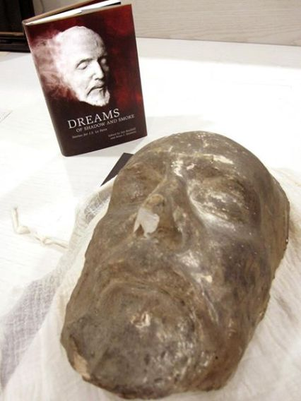 The winning anthology beside Le Fanu's death mask.